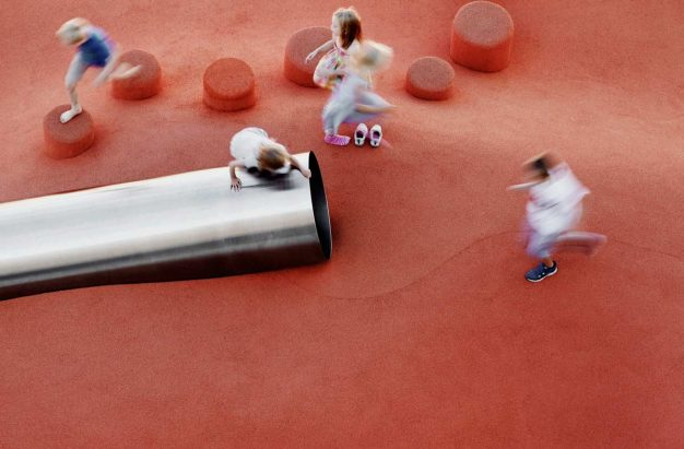 Roof-Park-Plaza-Playground. Wichmann + Bendtsen, Åke Lindmann. All rights reserved.