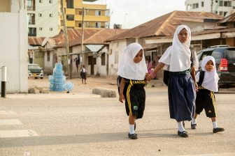 The SARSAI program helps make it safer for children in Dar es Salaam to walk to school. Photo by Kyle LaFerriere/WRI